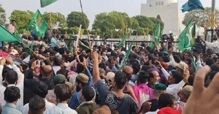 কোয়েটায় পাকিস্তান সেনাবাহিনীর বিরুদ্ধে বিক্ষোভ