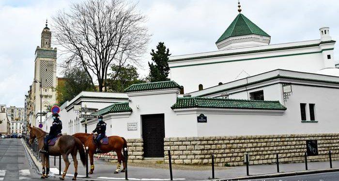 ফ্রান্সে 'চরমপন্থিদের সন্ধানে' মসজিদে মসজিদে তল্লাশি