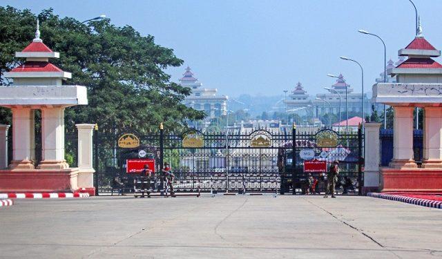 প্রায় ৪০০ আইনপ্রণেতাকে সরকারি হাউজিং কমপ্লেক্সে বন্দী করে রেখেছে মিয়ানমারের সেনা সরকার