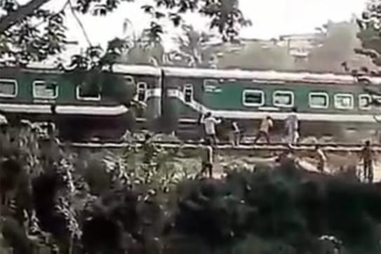 ঢাকা-চট্টগ্রাম-সিলেট-নোয়াখালী ট্রেন চলাচল বন্ধ