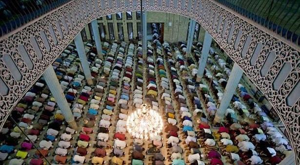 মসজিদে নামাজ ও তারাবি নিয়ে ধর্ম মন্ত্রণালয়ের নতুন নির্দেশনা