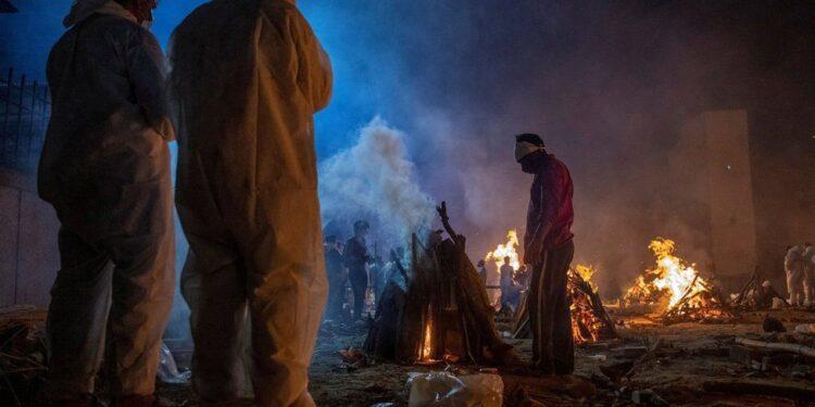 মৃত্যুপুরী ভারত: একদিনে আরো সাড়ে তিন হাজার মৃত্যু